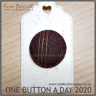 One Button a Day 2020 by Gina Barrett - Day 13 : Elegante