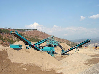 Rubble Master, Crusher for Construction waste, crushing Debris, concrete crusher, brick crusher, Crusher for Land Development