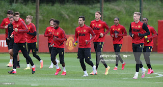 Manchester United include two young players in Europa League squad