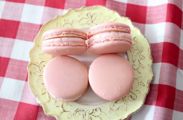 Beth's Foolproof French Macaron #cookies #desserts