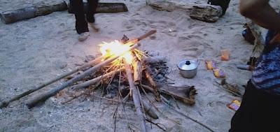 api unggu untuk menghangatkan badan memasak sarap