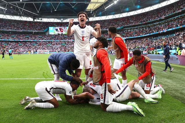 England players celebrate Kane's goal vs Germany - Euro 2020