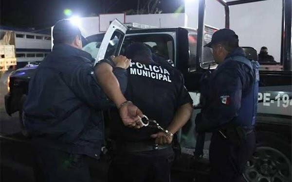 """Captura policía municipal acusado de secuestro; exigía 50 mil pesos a su víctima """"Y son los que nos cuidan"""""""