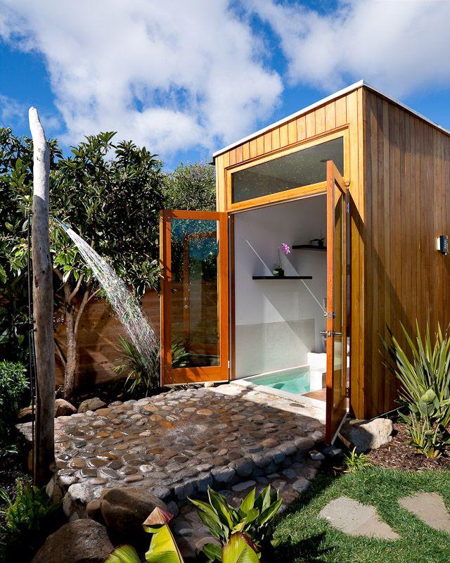 10 ba os al aire libre colores en casa for Diseno banos exteriores