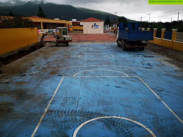 Comienza la ejecución de la cubierta de la cancha del CEIP La Rosa