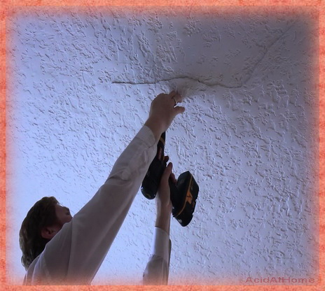 How To Repair Cracks In Plaster