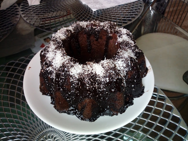 babka kakaowa z dzemem babka czekoladowa babka z polewa babka z mikrofali ciasto z mikrofali w 5 minut szybkie ciasto szybka babkawilgotna babka