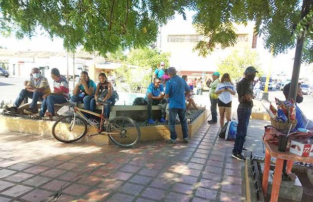 TORRENSES PASAN LAS DE CAÍN POR FALLAS EN EL TRANSPORTE PÚBLICO