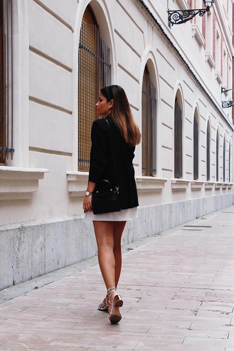 look elegante con diadema moda otoño 2019