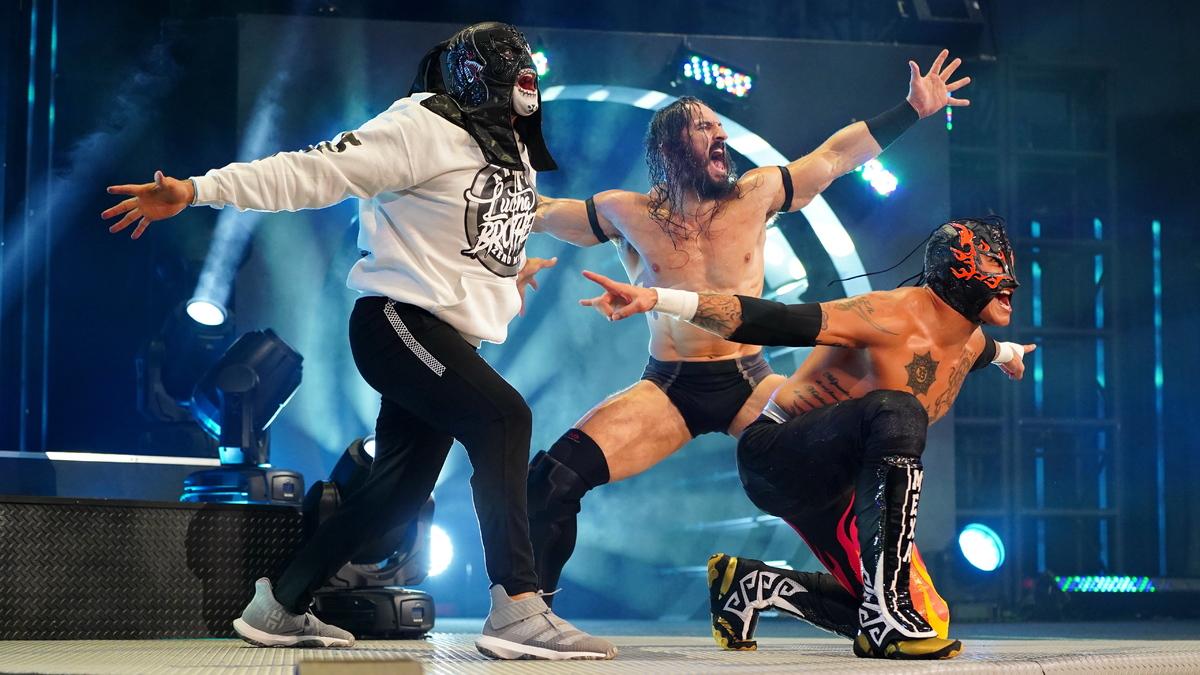 Tony Khan comenta sobre a possível criação de um Trios Championship na AEW