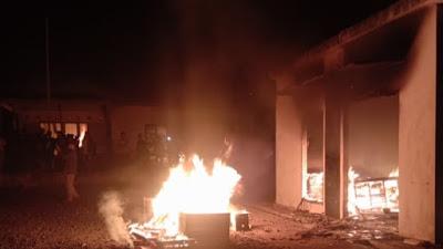 (VIDEO) Polsek Candipuro Lampung Selatan Dibakar Warga