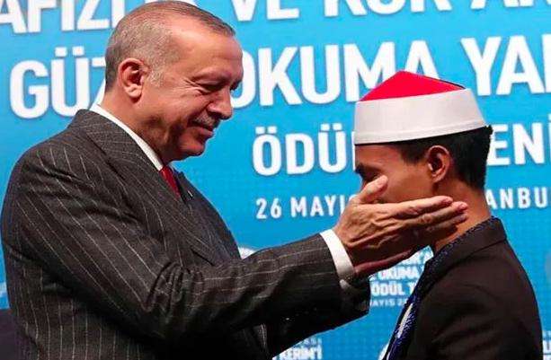 'Qori Asal Bima Juara 1 MTQ Internasional di Turki'