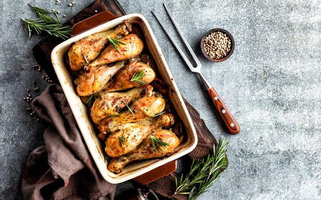 Τραγανό κοτόπουλο με δενδρολίβανο