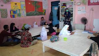 Dokumentasi Mahasiswa (Edukasi Untuk Menggunakan Masker ke adik-adik Sekolah)