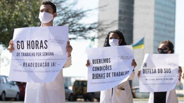 Más de 250 sanitarios han muerto por Covid-19 en Brasil