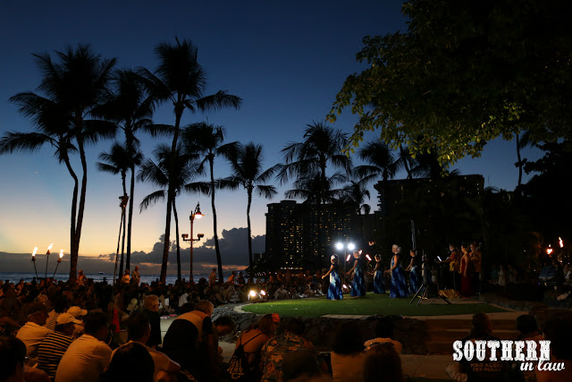 Free Hula Performance at Kuhio Beach Park Waikiki Honolulu Hawaii - Free Things to Do in Waikiki