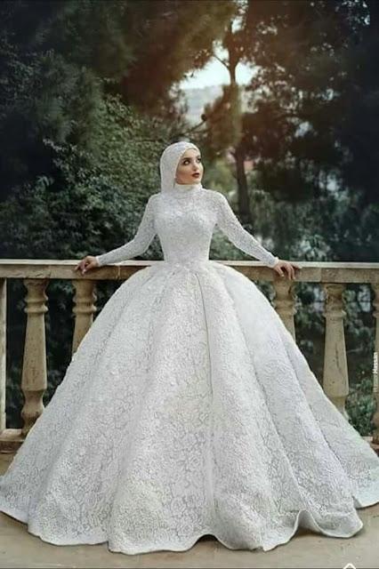 فستان زفاف للمحجبات واسع من الخصر وطويل انيق وقمه في الجمال موديل 2020-min