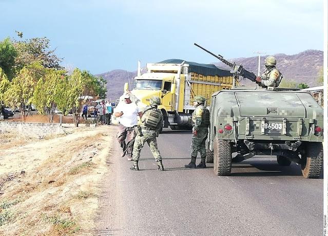 En Video Militares que ayudan a herido dan a conocer que Sicarios en Michoacán de El CJNG usaron drones para ser emboscados