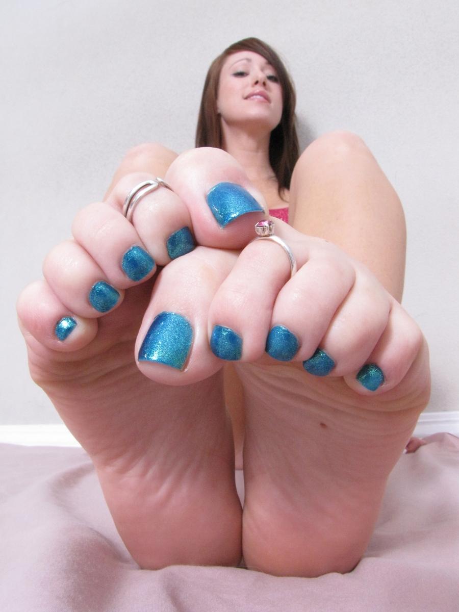 toe rings feet Girl
