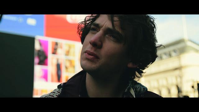 Dan Owen releases 'Icarus' busking video
