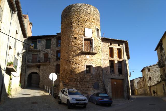 Portal i torre de Salàs