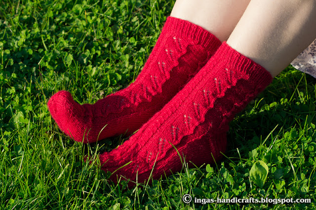 Punased lehesokid / Red Leaves Socks