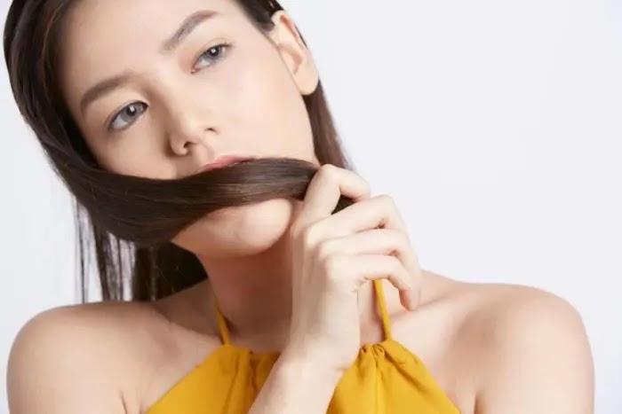 Tips agar rambut tidak bau apek dan wangi sepanjang hari