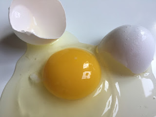 nutrients in eggs white