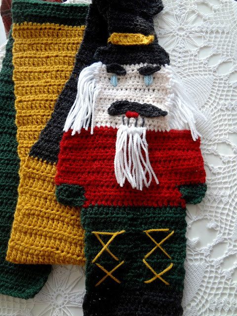 The Nutcracker Soldier Scarf