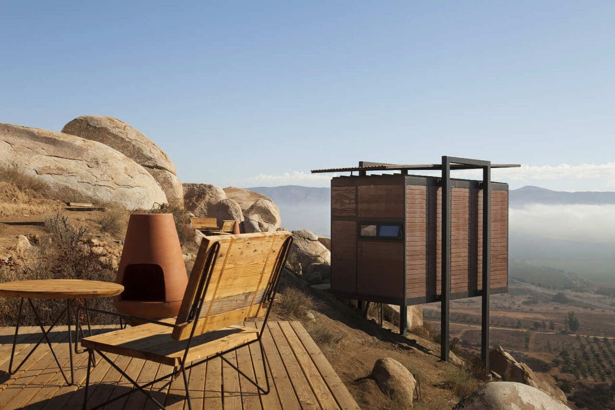 10-Beautiful-Landscape-Gracia-Studio-Cabin-Architecture-set-on-a-Hill-www-designstack-co