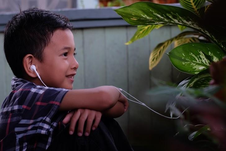 Bahaya Menggunakan Headset atau Earphone Akan Memperburuk Kesehatan Telinga