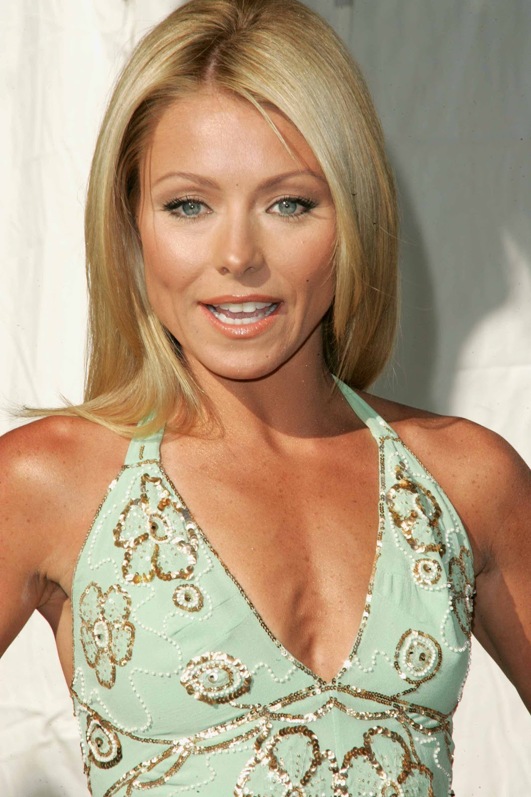 damon cool picture: kelly ripa cuts her hair beauty & fashion