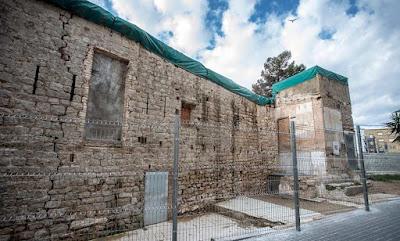 Grietas, humedades y provisionalidad en el castillo de Bellvís