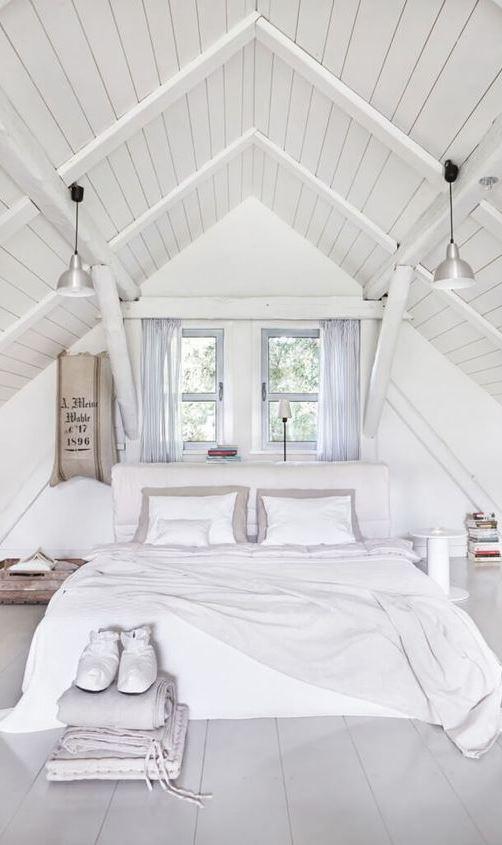 white bedroom decoration