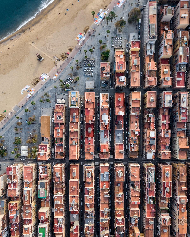 Memaksimalkan Komposisi Foto Landscape laut lepas di Barcelona