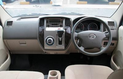 Interior Daihatsu Luxio Prefacelift