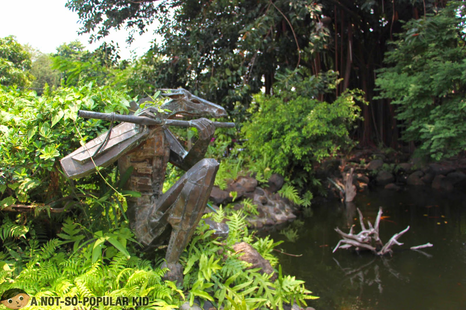 The alluring pond with this stunning statue in Bale Dutung