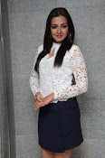 catherine tresa latest glam pics-thumbnail-18