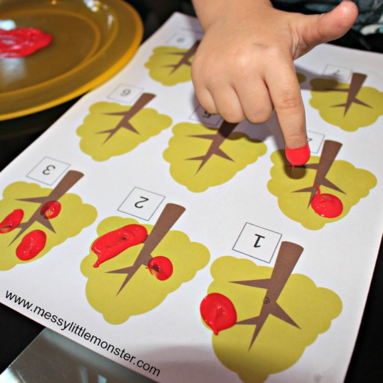 Apple tree autumn counting activity for kids