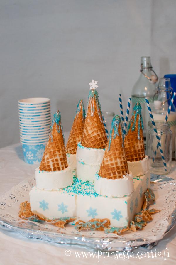 Arendel-jäätelökakku Frozen-synttäreille.