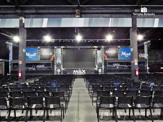 Vista ampla do auditório e palco da MAX Arena - Mooca - São Paulo