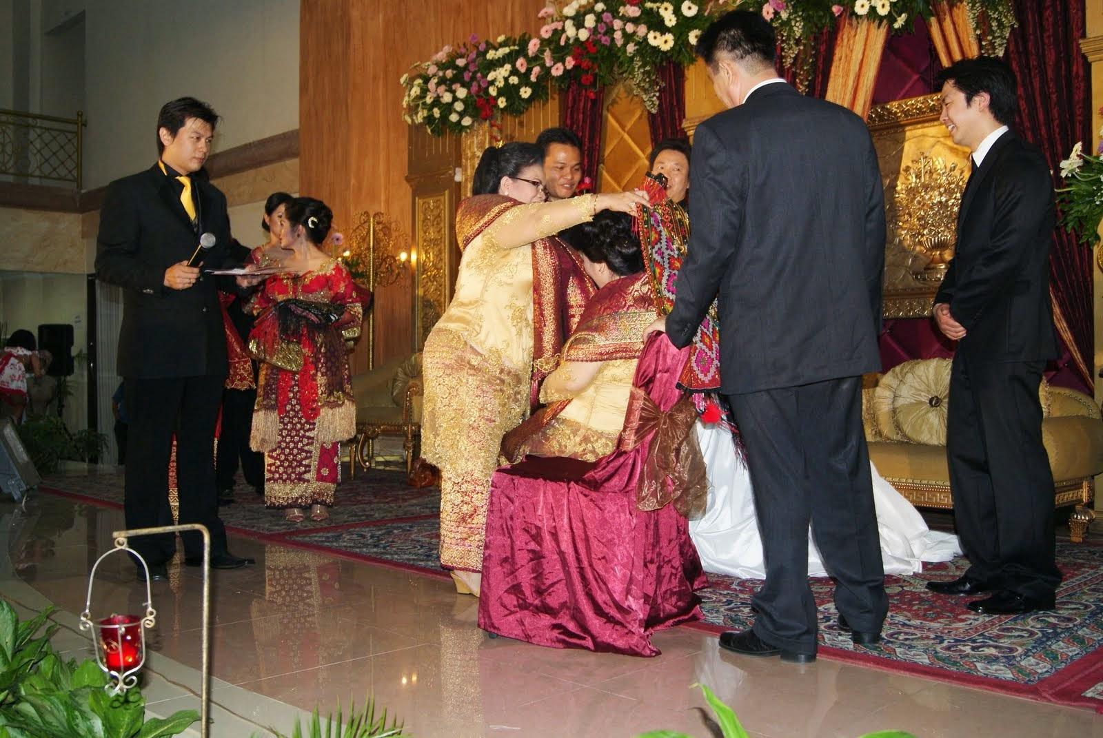 First Three Parts of Batak Toba Wedding - Lusius Sinurat