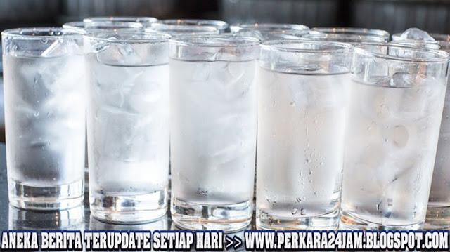 Ini Penjelasan Minum Air Es Buat Gemuk Dan Perut Buncit