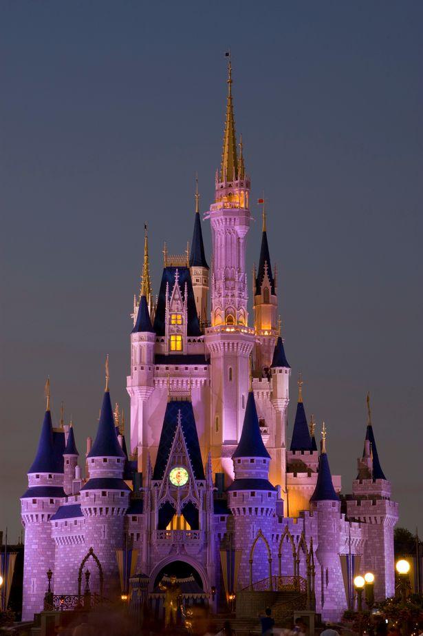 Orlando-Florida-USA-The-Magic-Castle-at-Disneys-Magic-Kingdom