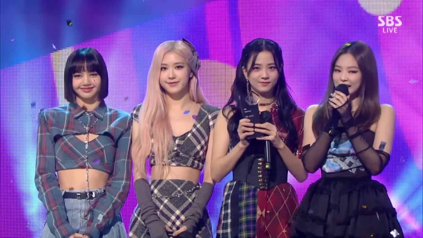 BLACKPINK Takes Home 6th Trophy for 'Lovesick Girls' on SBS Inkigayo, Congratulations!