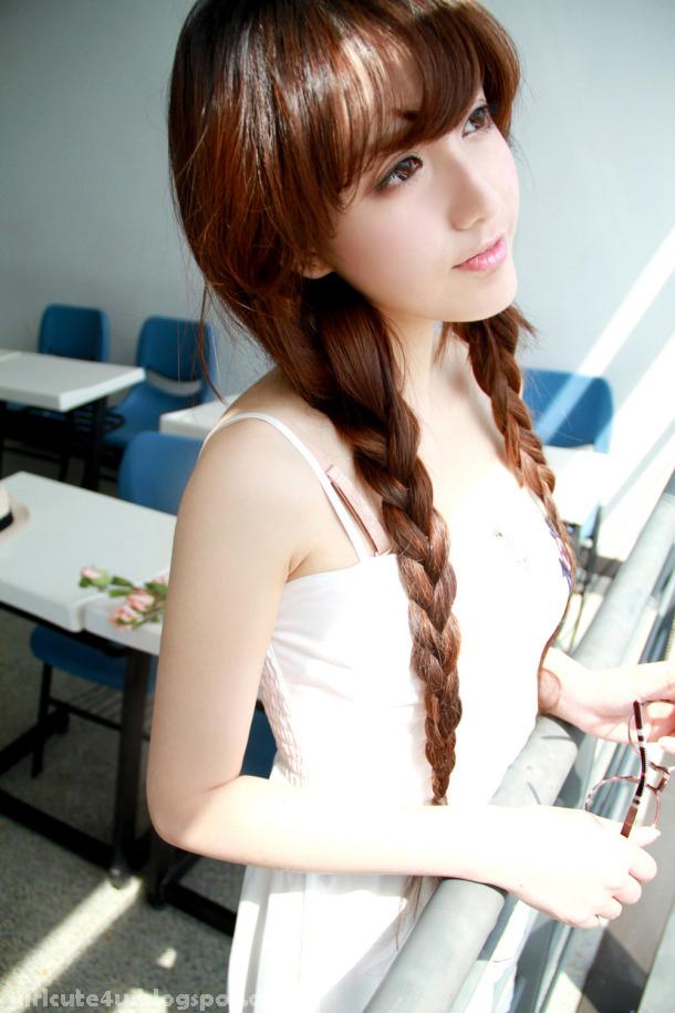 xxx nude girls: Park Si Hyun - Road FC 11