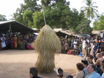 Culture, danse, Kumpo, événement, spectacle, tradition, sociétés, ethnies, masques, long, bâton, fibres, village, Casamance, Tambacounda, LEUKSENEGAL, Dakar, Sénégal, Afrique