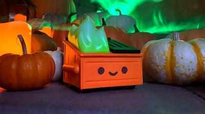 Entertainment Earth Exclusive Dumpster Fire Magical Pumpkin Trash Edition Vinyl Figure by 100% Soft