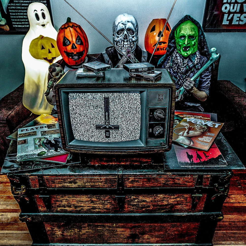 the horrors of halloween: halloween artsay you love satan & sam