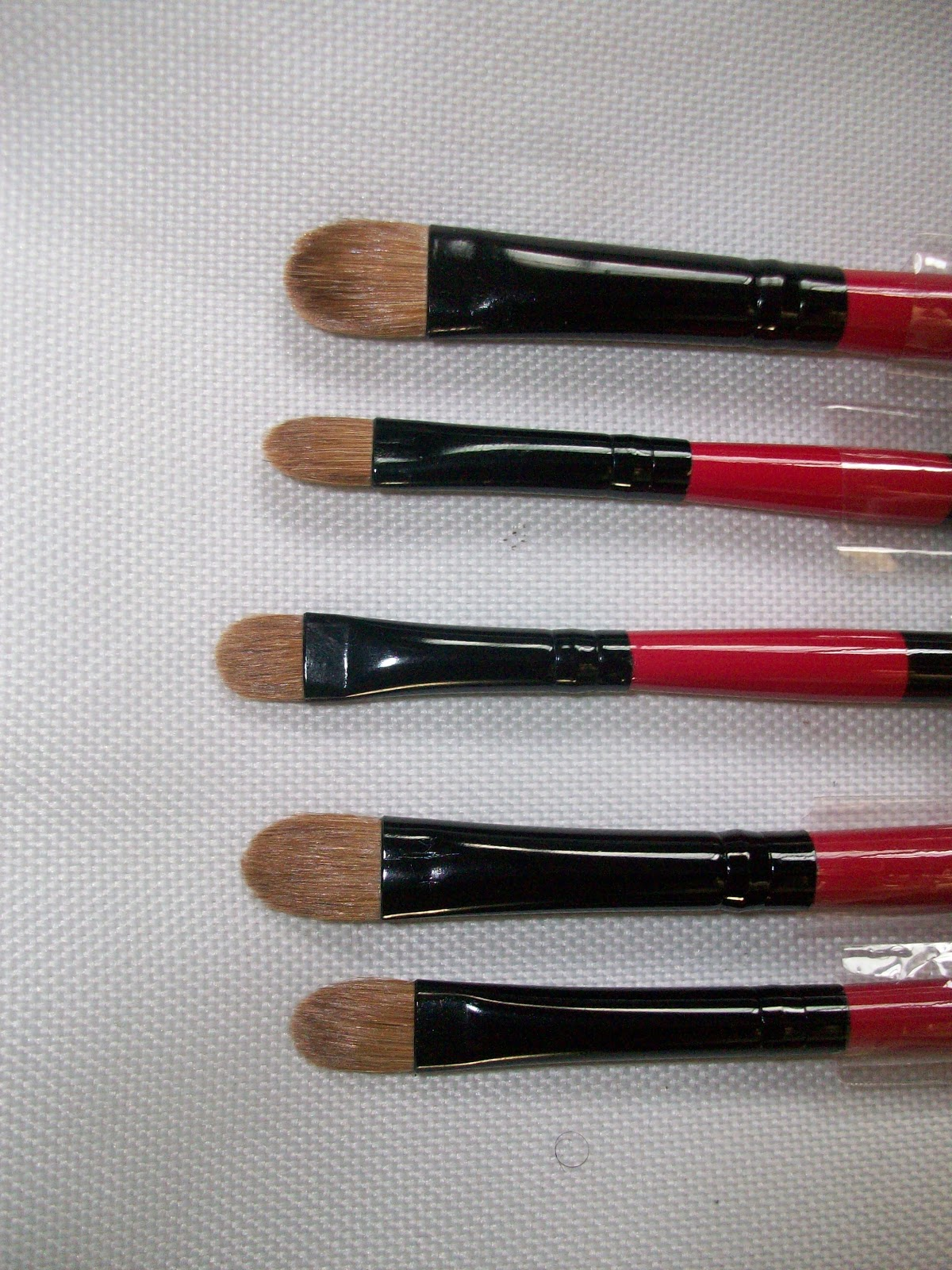Pro Brush Powder By Nyx Professional Makeup: Brush Review: Gifty's Professional Brush Set